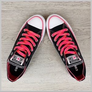 🦋Converse Chuck Taylor All Star Black/Pink Size 7